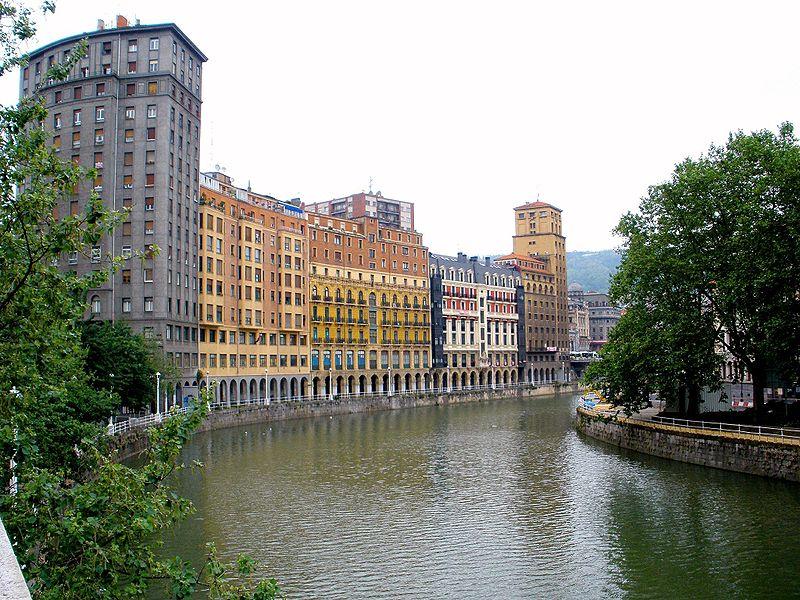 Вид на реку в Бильбао