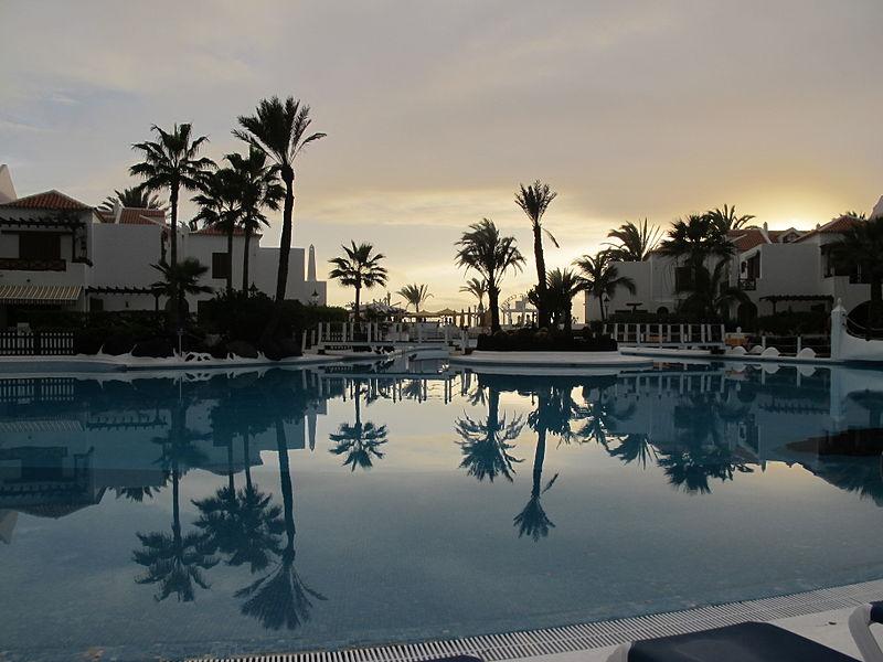 Отель в Лас-Америкас