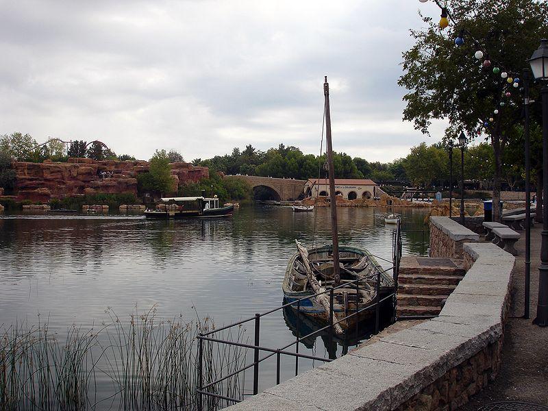 Средиземноморье — первая часть  парка Порт Авентура