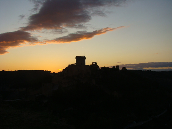 Вечерний вид замка Аларкон