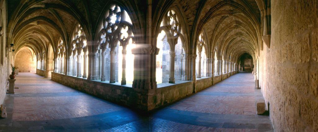 Коридоры монастыря