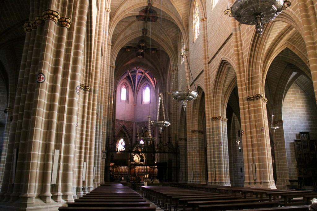 собор святой Марии изнутри