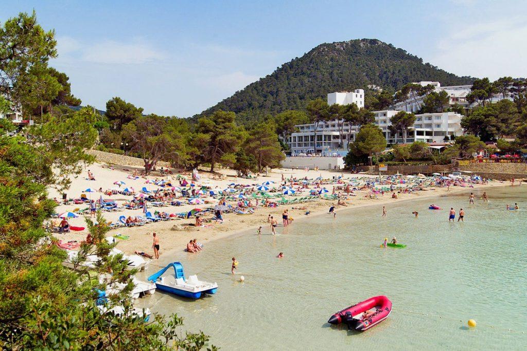 Роскошный пляж курорта Портинач
