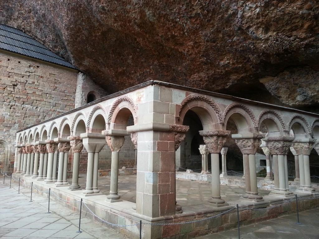монастырь Сан-Хуан-де-ла-Пенья изнутри