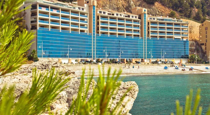 Прибрежный отель-люкс