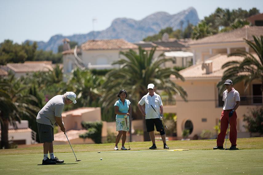 На Кальпе большой гольф-клуб