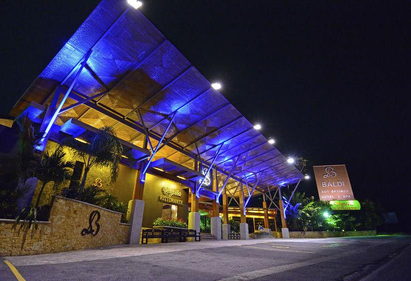 Курорт Ареналь клубы и рестораны