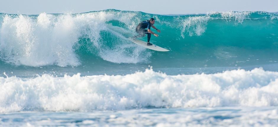 На острове отличные волны для серфинга