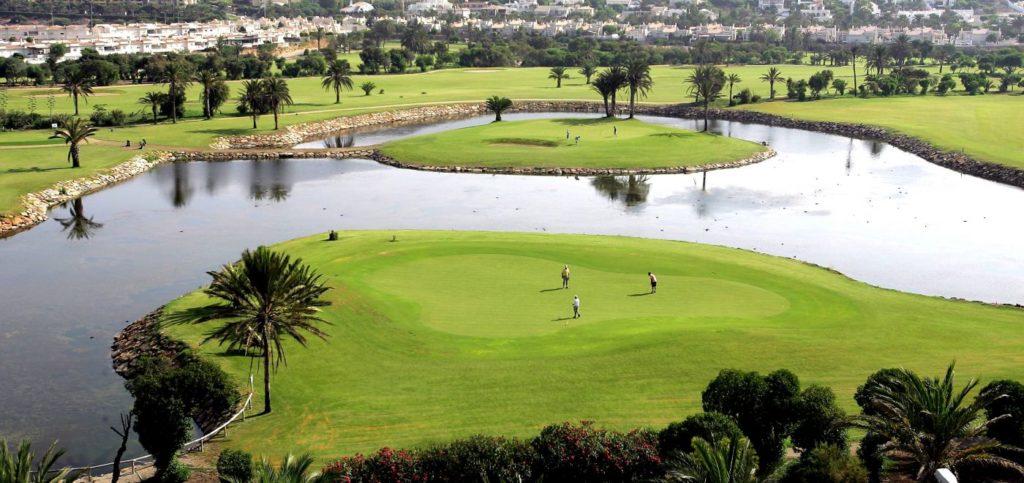 Большой гольф-клуб