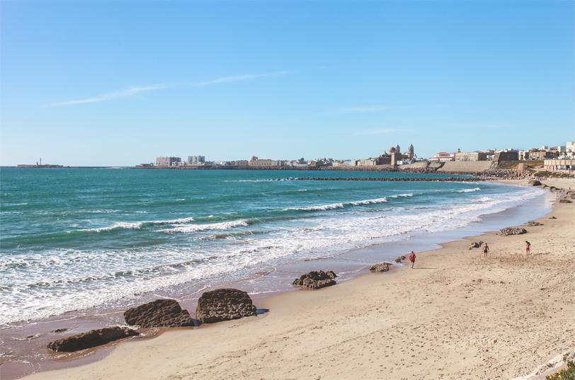 Большая протяженность пляжей
