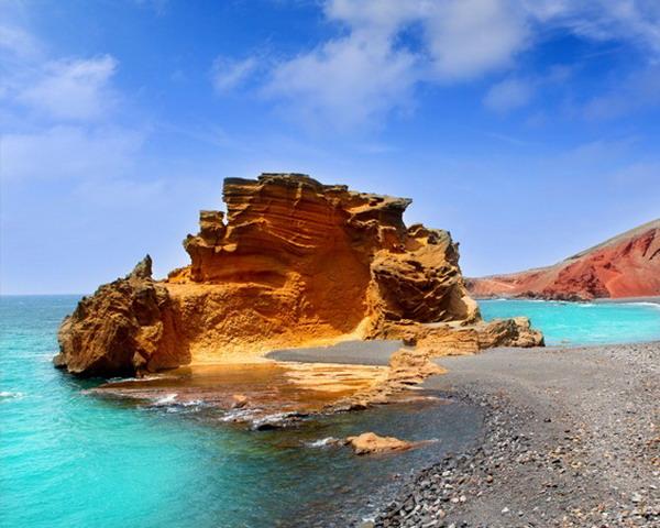 Замечательная пляжная линия острова