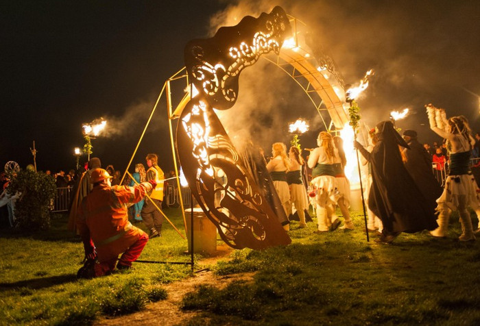 Фестиваль Вальпургиева ночь в Великобритании