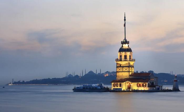 Девичья башня на острове Босфор