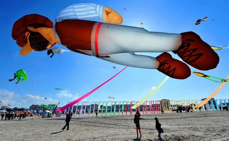 Международный фестиваль воздушных змеев во Франции