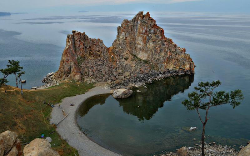 Скала Шаманка на острове Ольхон