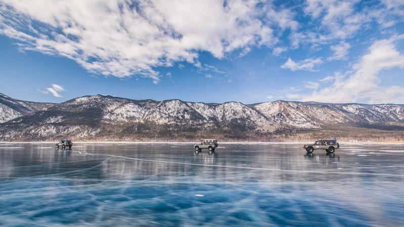 Активный туризм зимой на Байкале
