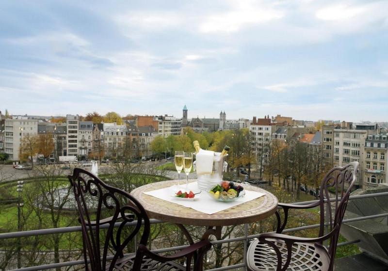 Вид с балкона отеля Eurostars Montgomery