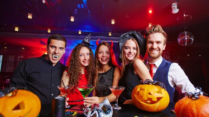 Излюбленной темой для вечеринок является Хэллоуин