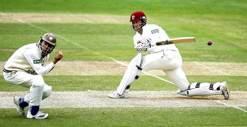Самый типичный английский летний вид спорта - крикет