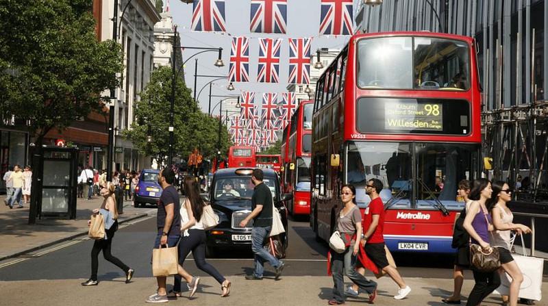 Улица Оксфорд - самая оживленная улица столицы