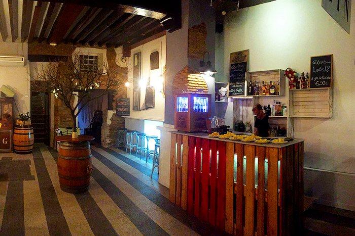 Винный бар в Дении