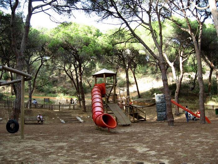 Детская зона в парке
