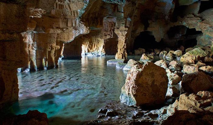 Пещеры в окрестностях Дении