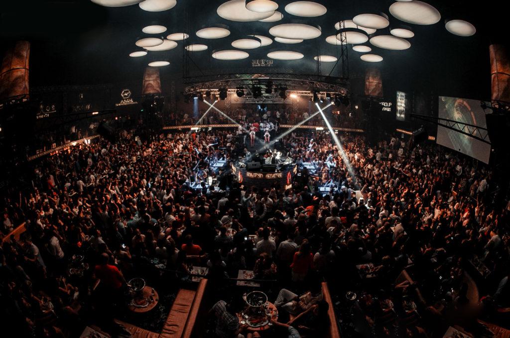 Ночной клуб  Aura