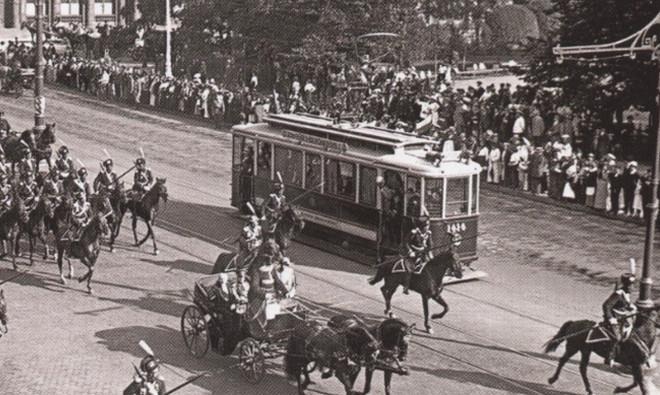Первые трамваи