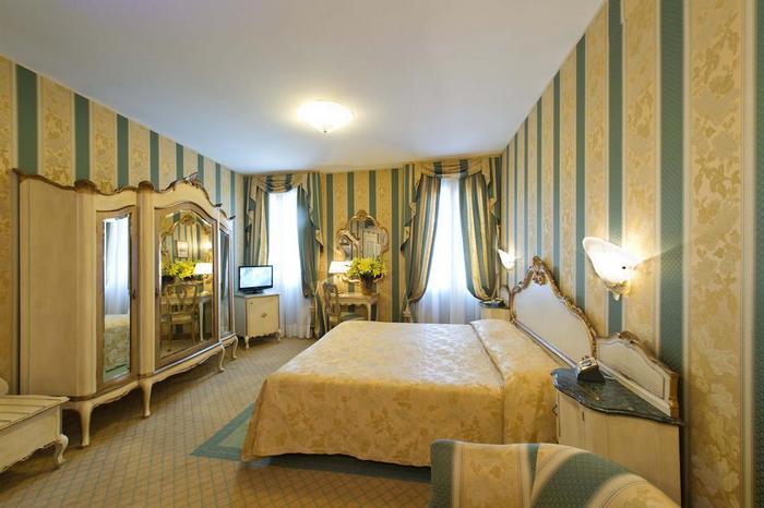 Номер отеля Hotel Savoia & Jolanda