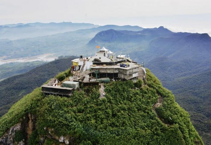 Вершина горы Шри-Пада