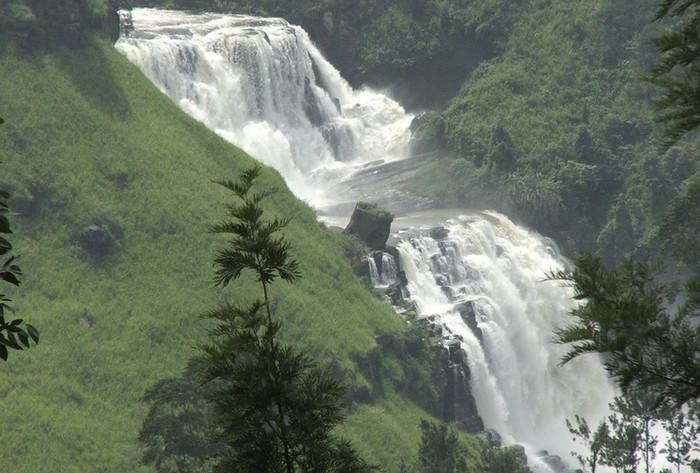 Водопады в Нувара Элии