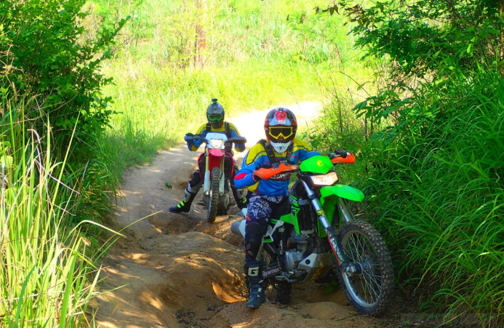 Езда на горном мотоцикле в Паттайе