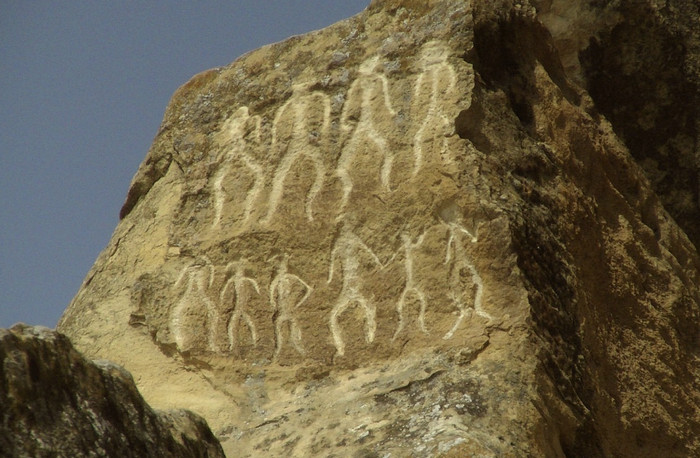 Наскальные рисунки Гобустан
