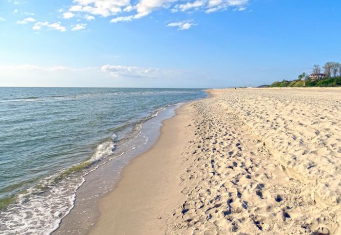 Пляж в поселке Янтарный