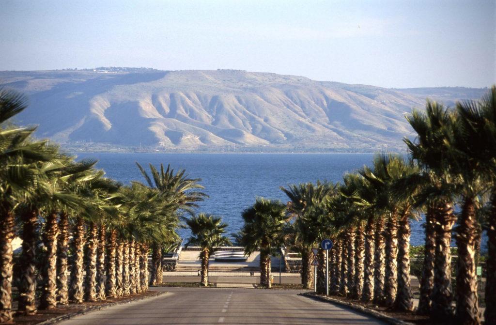 Священное озеро Кинерет,  Израиль.