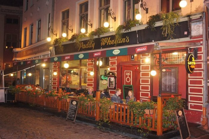 Paddy Whelans Irish Pub & Sports Bar