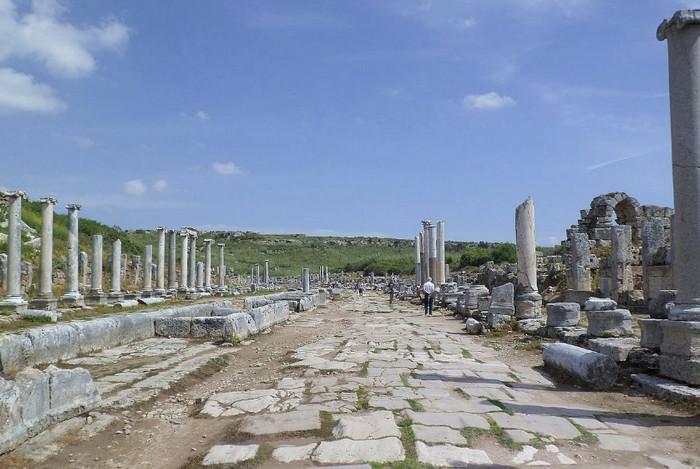 Руины древнего города Перге