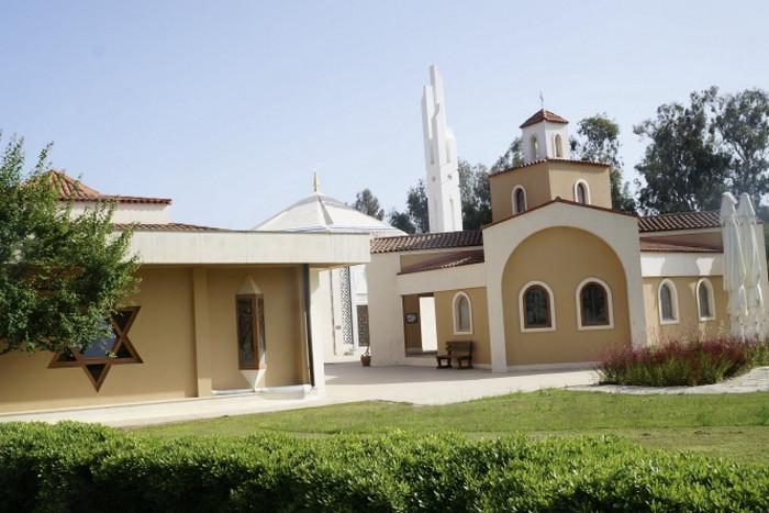 Сад Религий в Белеке