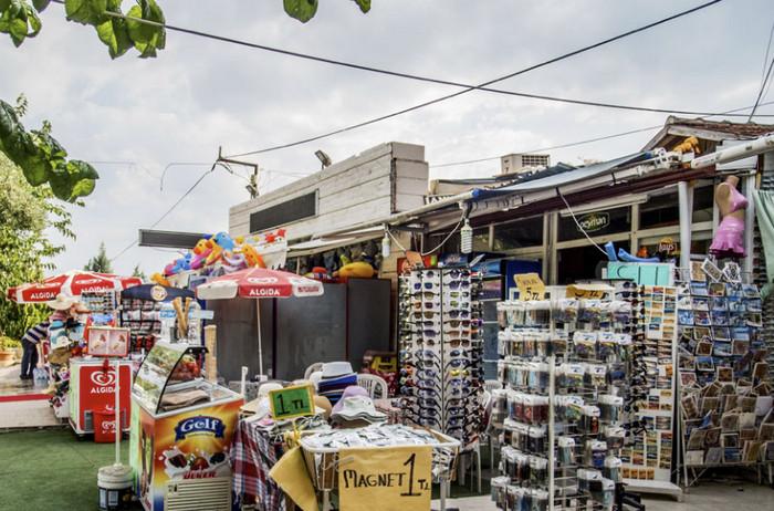Сувенирные лавки в Памуккале