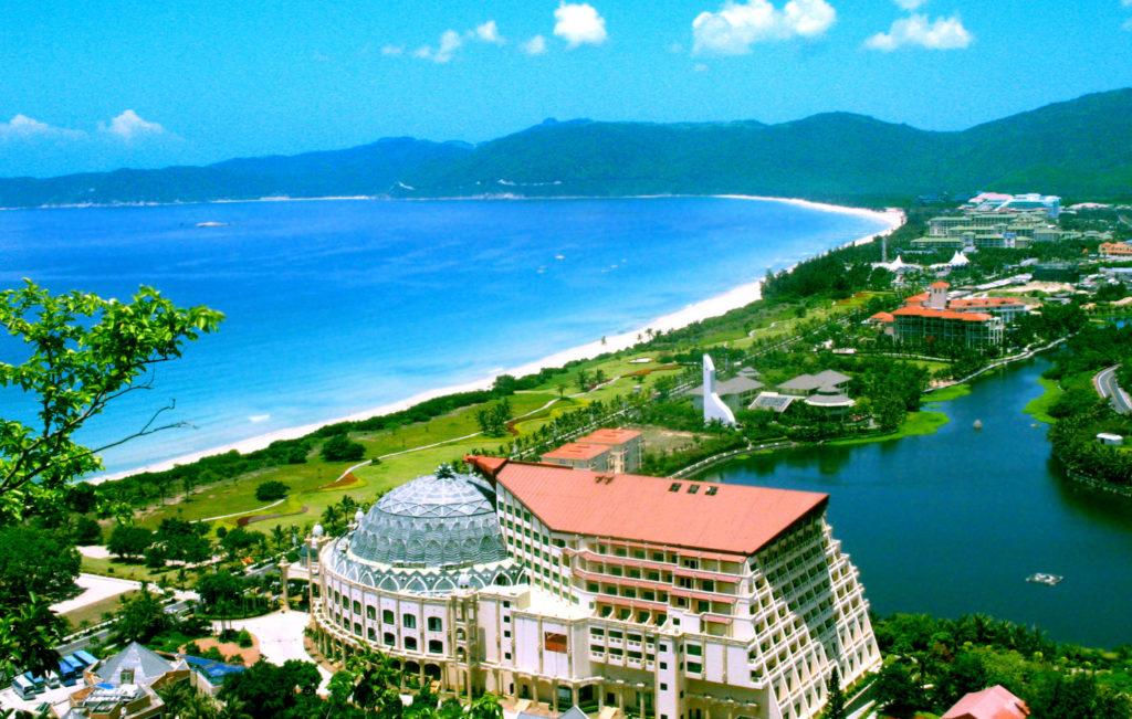 Бухта Ялунвань, остров Хайнань