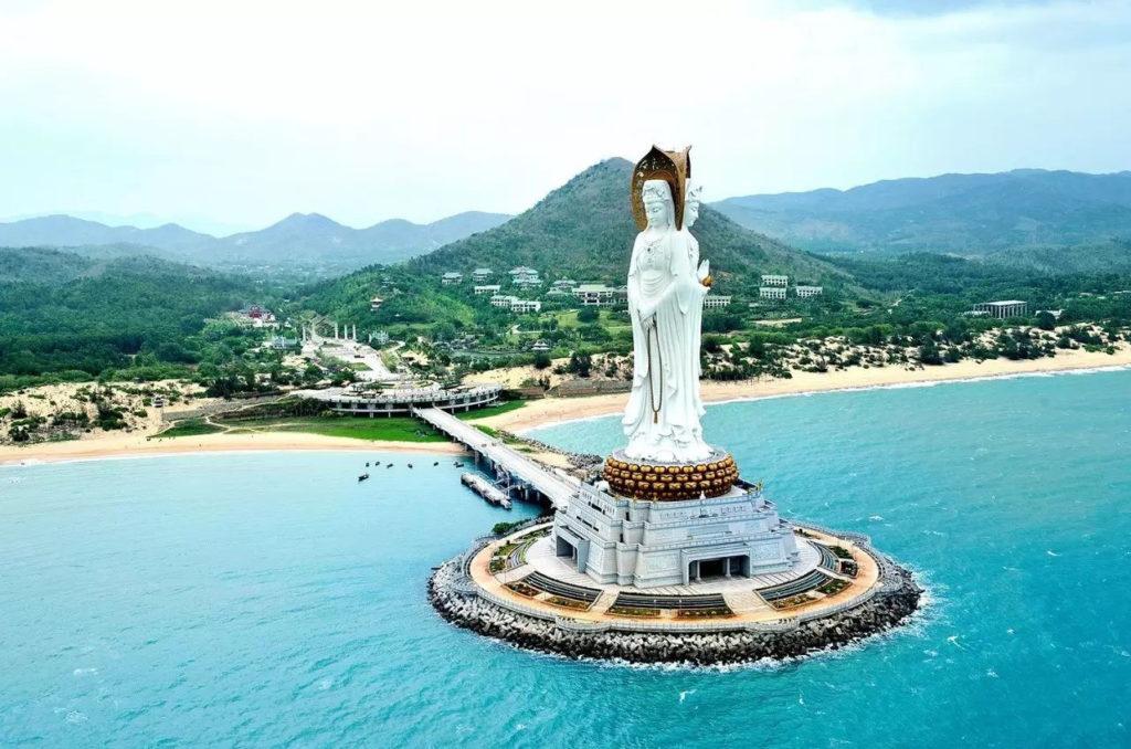 Курорт Санья, остров Хайнань