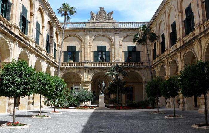 Дворец Великого Магистра (Валлетта)