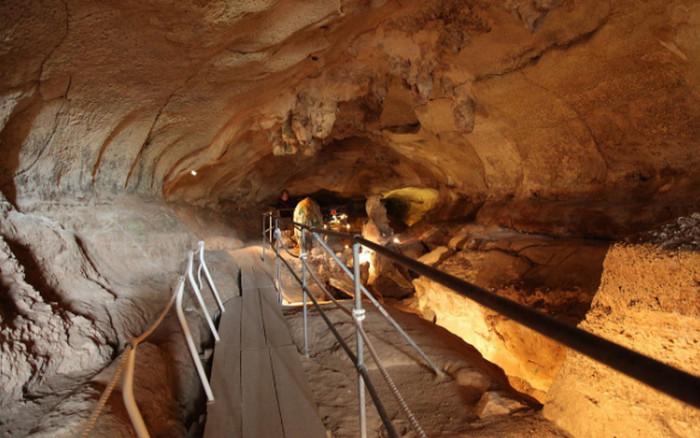 Пещера Гхар-Далам