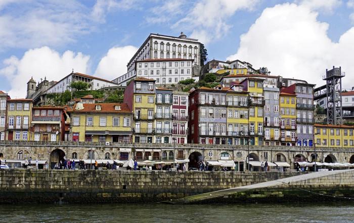 Район цветных домиков в Порту