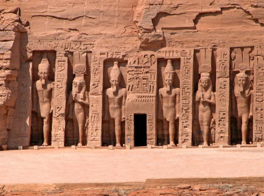 Храм Нефертари
