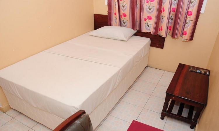 Комната в хостеле Safari Inn