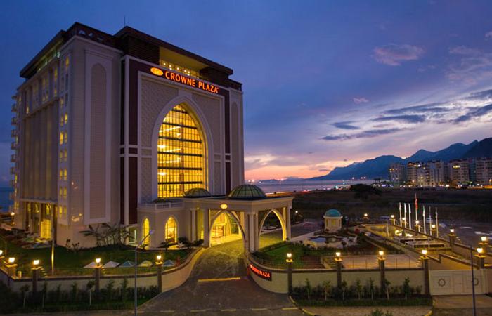 Отель «Краун Плаза»