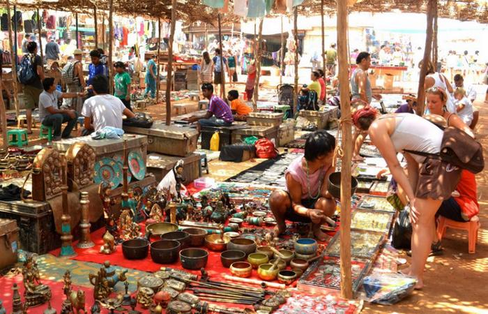 Flea Market в Анджуне