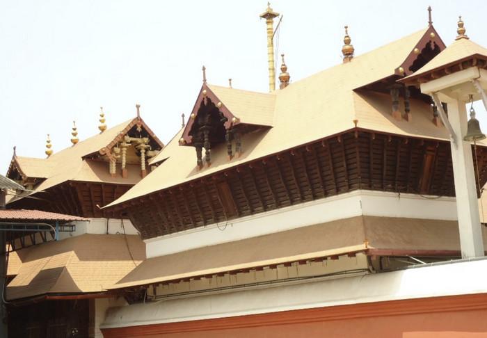 Храм Кришны, Гуруваюр